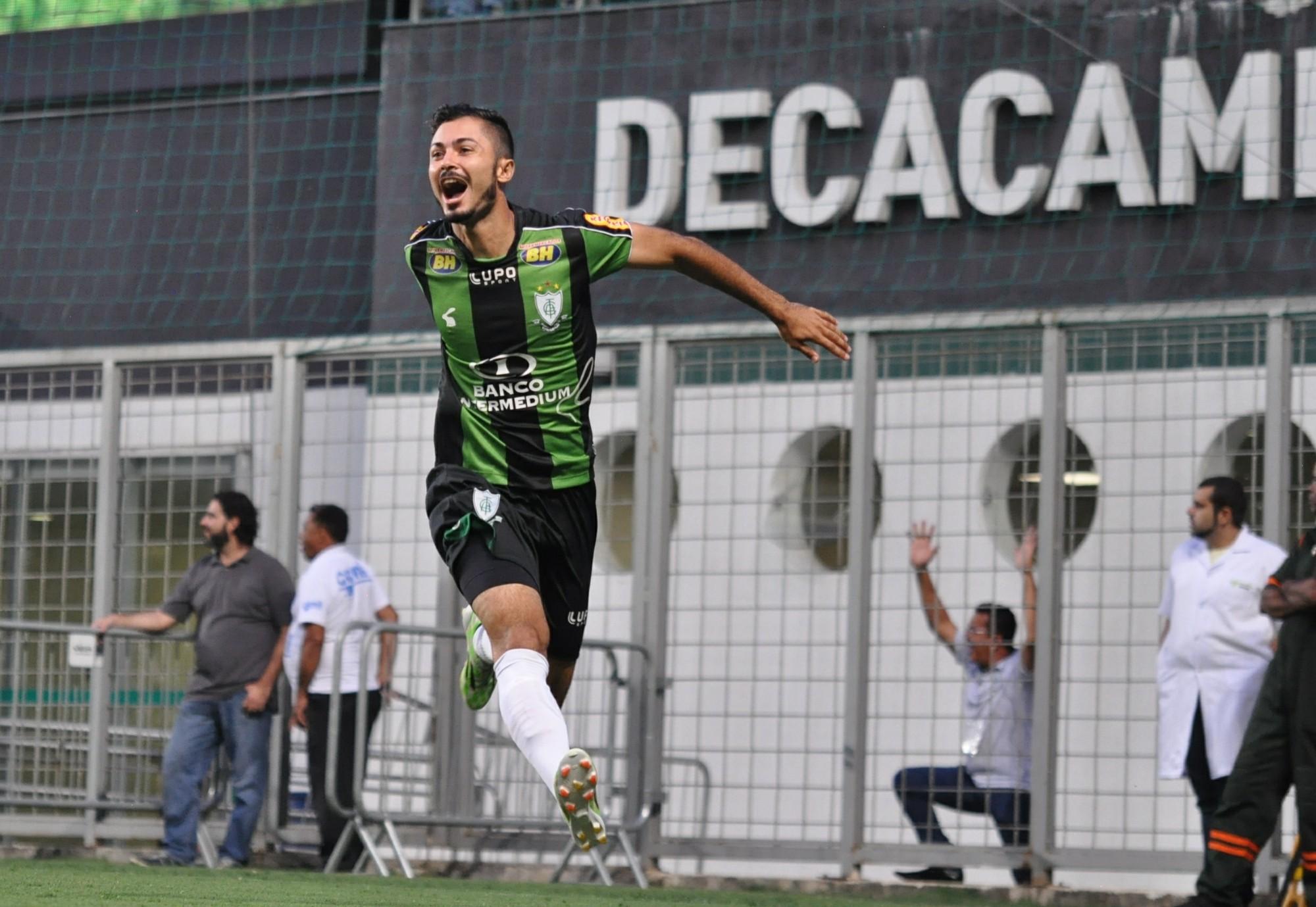Bruno Sávio comemora gol do América-MG contra o Villa Nova e892f1d1deb76